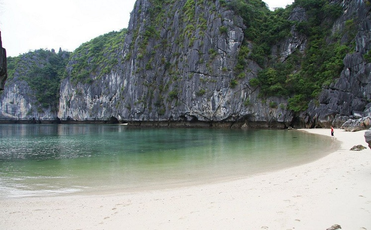 ha long bay ti top beach
