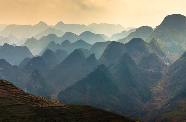 ha-giang-travel-guide-mountain-range