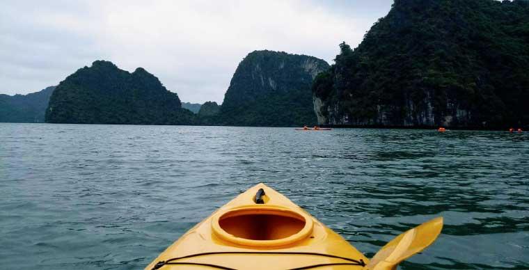 halong-kayak-peony-cruise