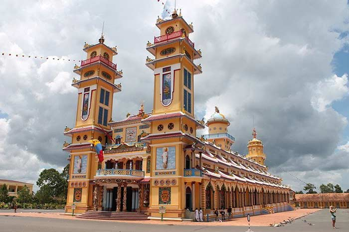 ho chi minh city in 1, 2 or 3 days guide caodai temple