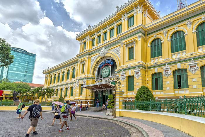 ho chi minh city in 1, 2 or 3 days guide central post office