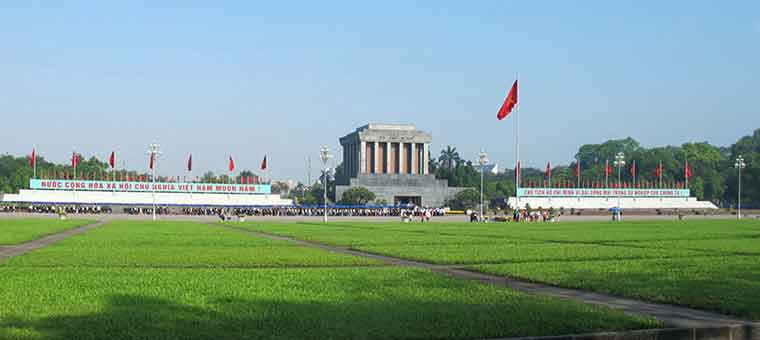 ho chi minh mausoleum in hanoi city