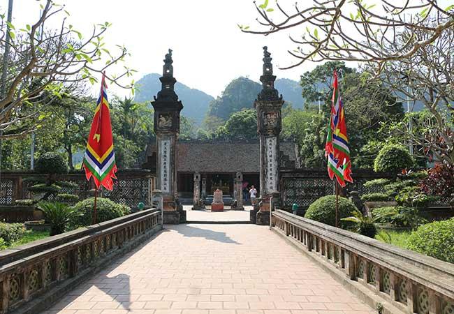 king dinh temple in ninh binh