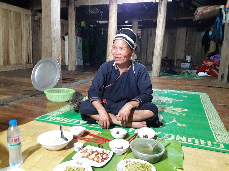 hoang su phi ha giang typical meal of the dao