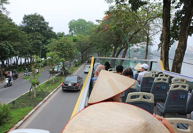 hop on hop off bus in hanoi