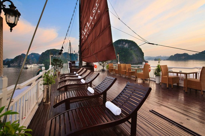 how to go to halong cruise in halong bay
