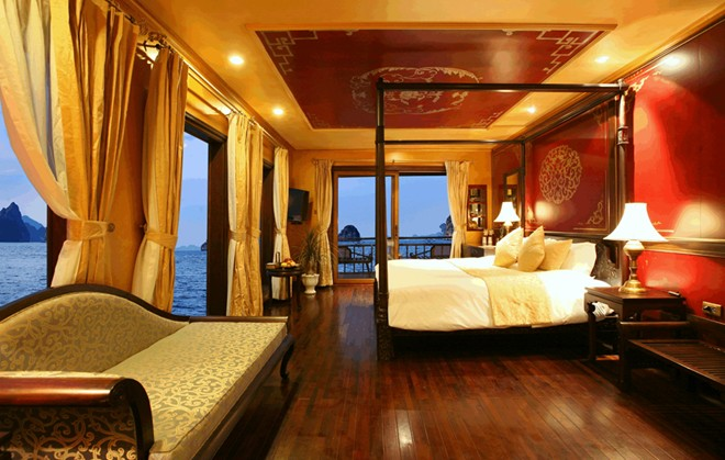 how to go to halong stay the night on a cruise