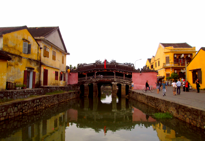 japanese bridge of hoi an heritage