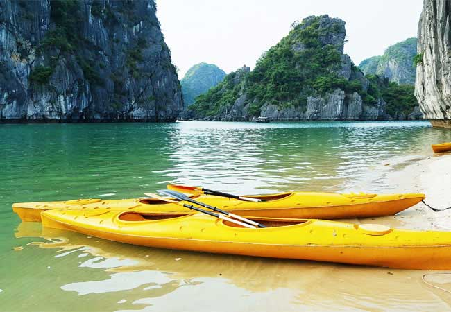 kayaking in catba island