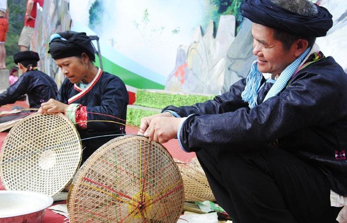 khau-vai-love-market-in-meo-vac-ha-giang-festival