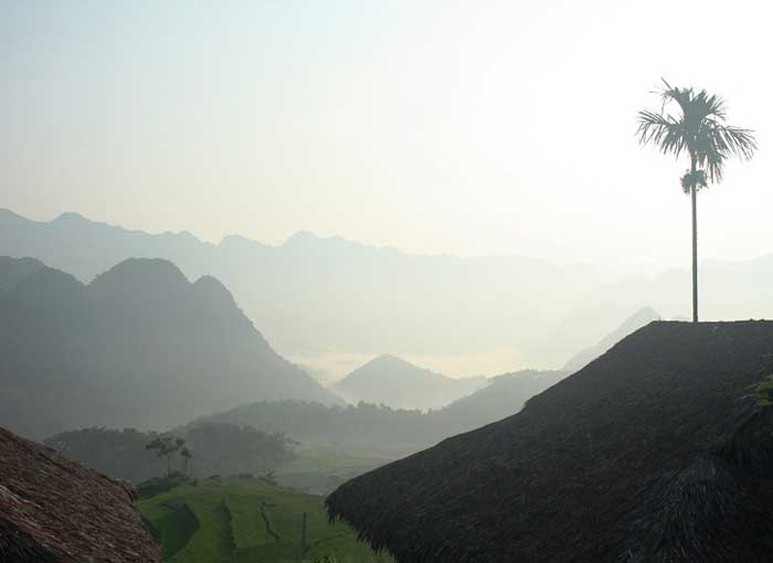 kho muong valley morning