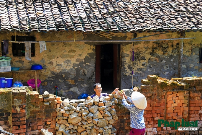 khuoi ky village stone wall