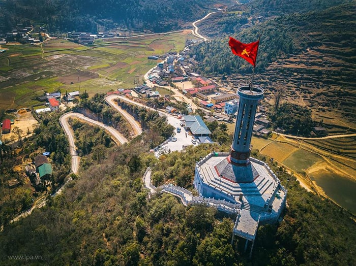 lung cu flag tower dong van ha giang panorama