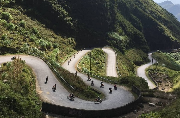 ma pi leng pass ha giang vietnam the loop