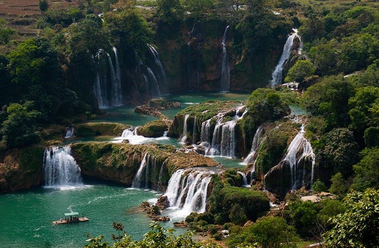 most-gorgoues-waterfall-in-vietnam-ban-gioc-waterfall