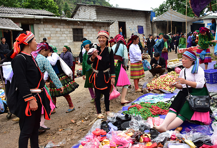 moutain markets Ha Giang Lung Phin