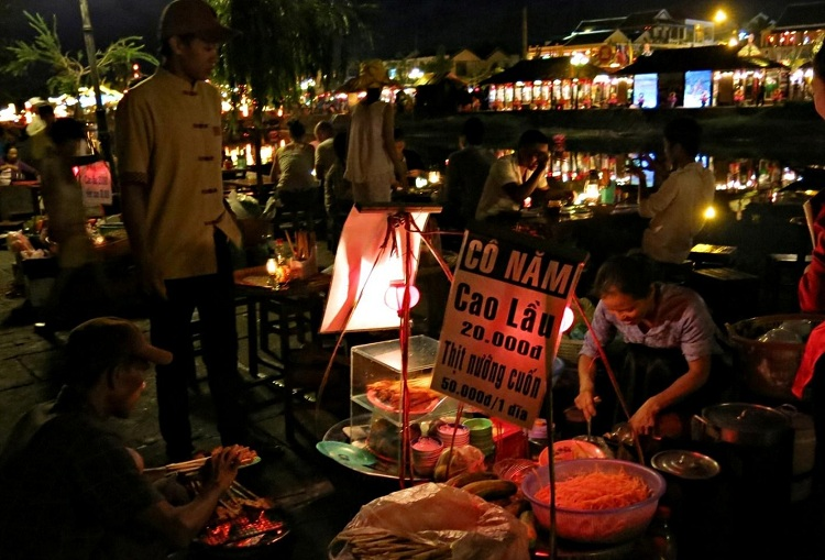 night market of hoi an food