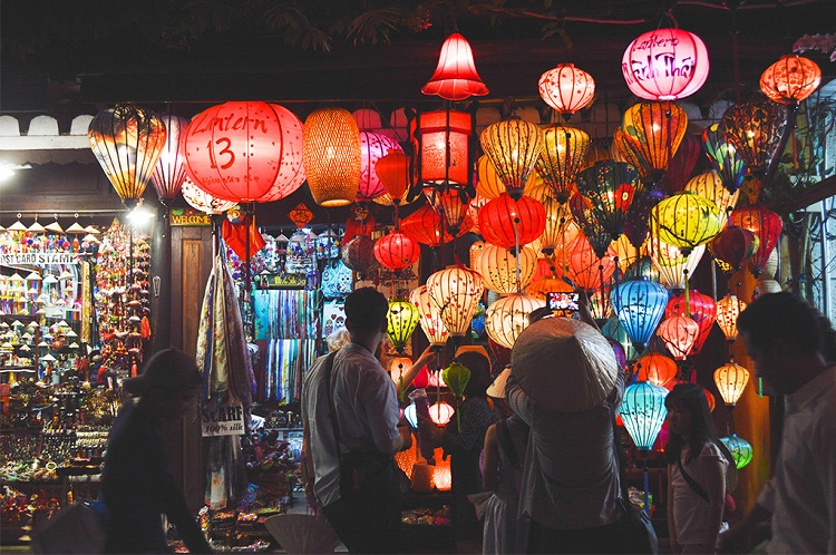night market of hoi an lantern