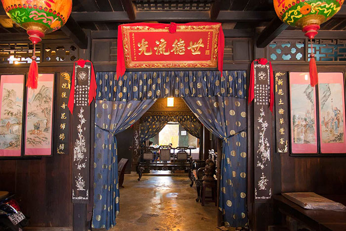 phung hung ancient house chinese influence