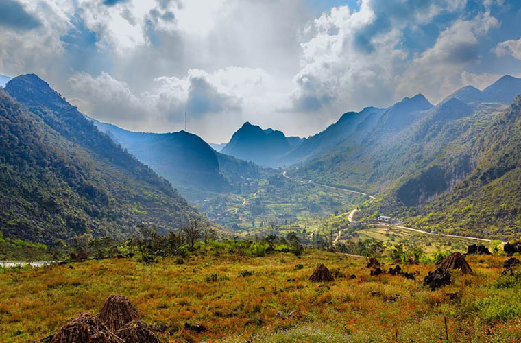 places-you-must-see-in-Ha-Giang-Dong-van-plaetau