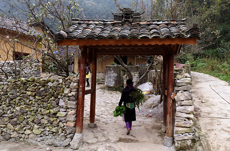 places-you-must-see-in-Ha-Giang-Pao-house