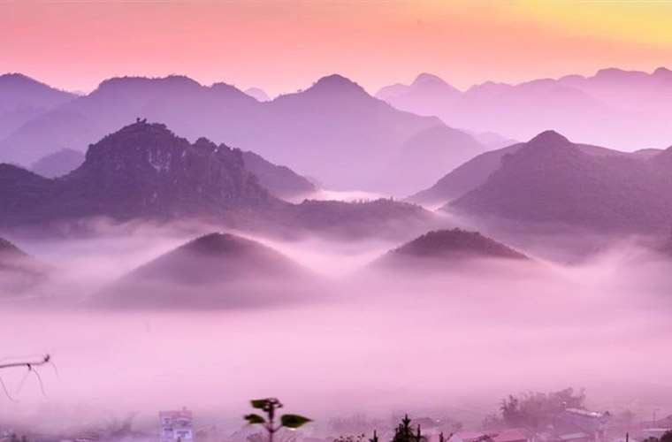 places-you-must-see-in-Ha-Giang-Quan-Ba-heaven-gate