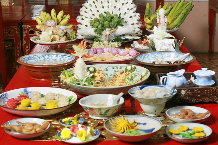 royal meal of hue in vietnamese culinary presentation
