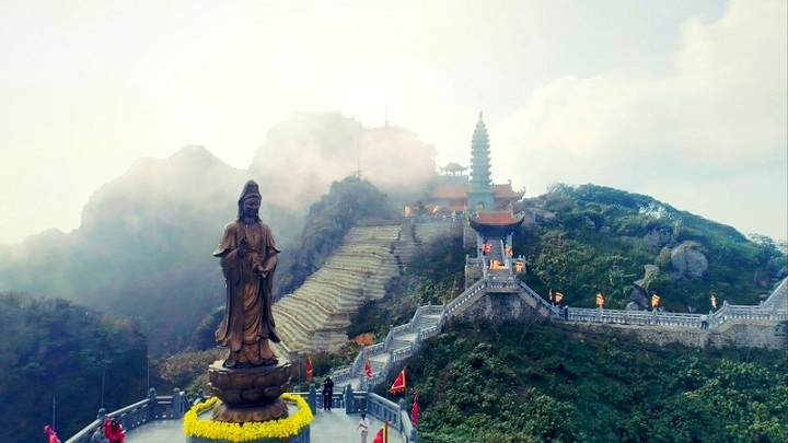 sapa-fansipan-vietnam-roof-top-pagoda