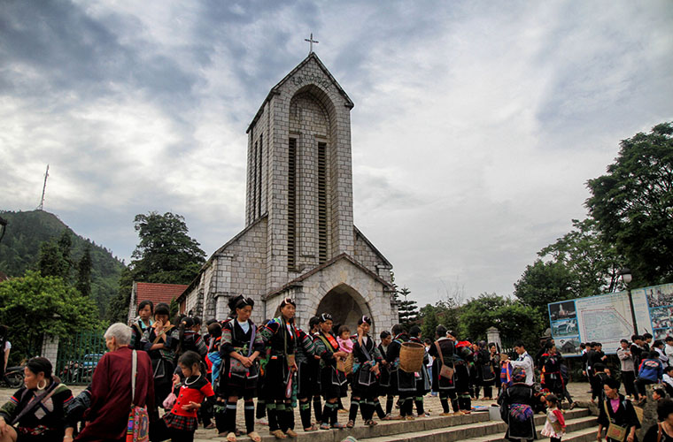 sapa-stone-church-sapa-vietnam-local-activities.jpg