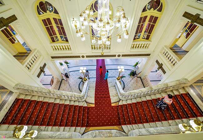 hanoi opera house stairs