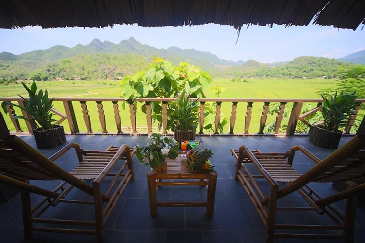 stay in mai chau vietnam