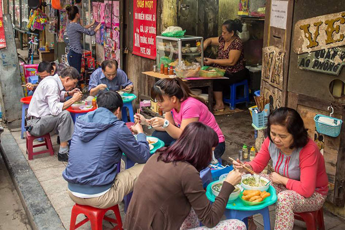 street food in hanoi soup