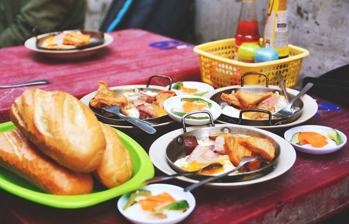 suggestion-for-a-breakfast-in-saigon-pan-bread