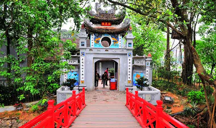 sword-lake-ngoc-son-temple