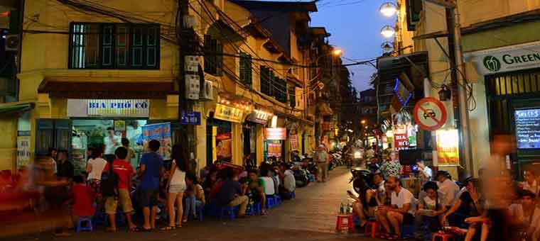 ta hien street hanoi old quarter