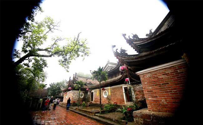 tay phuong pagoda around hanoi inside