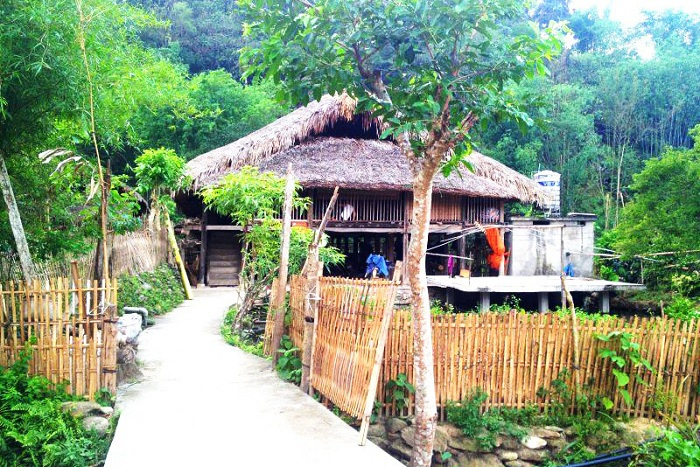 tha village ha giang Vietnam road