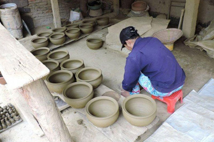 thanh ha pottery village traditional workshop