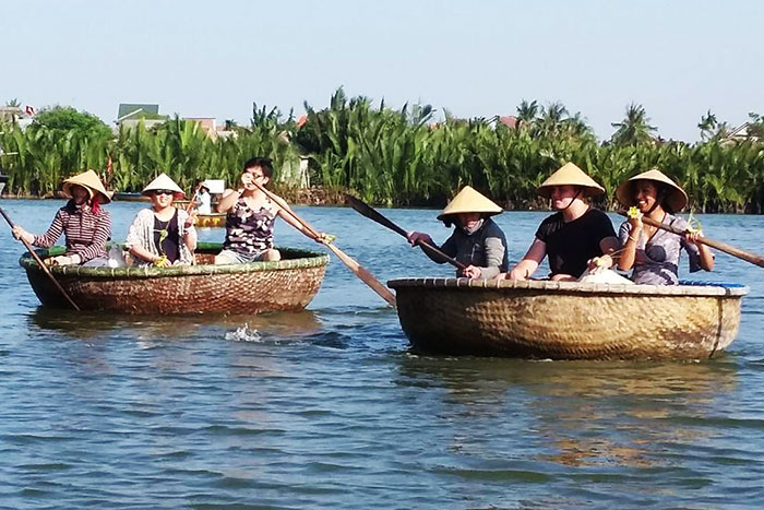 thu bon river hoi an ancient town thuyen thung