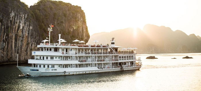 top 10 halong bay cruise au co