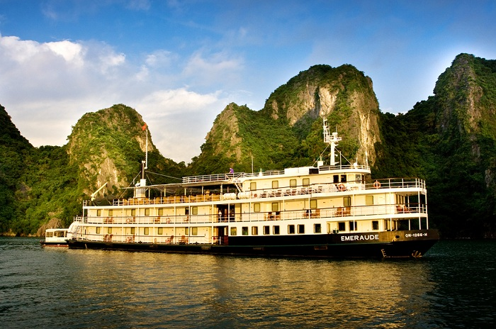 top 10 halong bay cruise emeraude