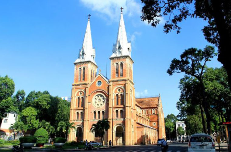 tourist attraction in saigon - Notre Dame cathedral