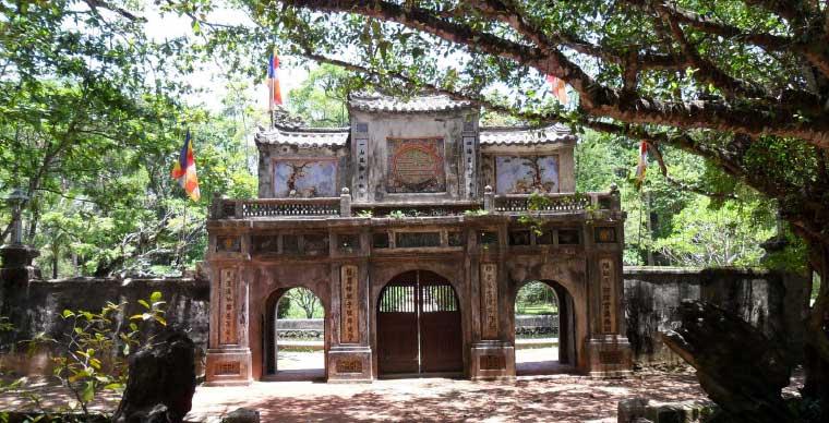 tu-hieu-pagoda-thich-nhat-hanh