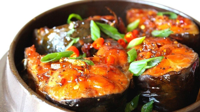 unmissable dishes in ninh binh simmered fish