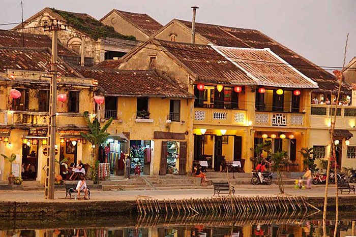 visit hoi an ancient house