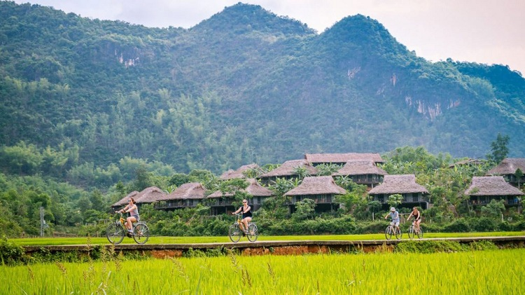 visit mai chau hoa binh in 2 days go cycling
