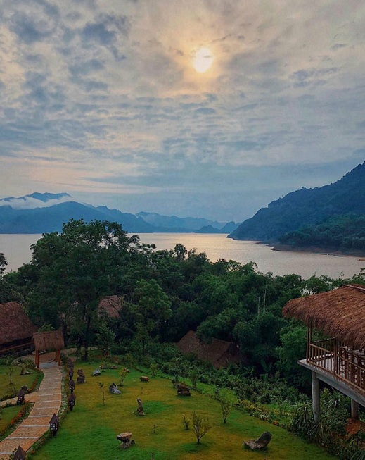 visit mai chau hoa binh in 2 days panorama