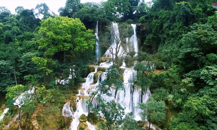 visit son la vietnam waterfalls