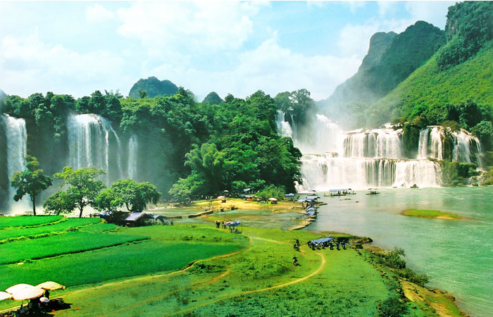 visit-cao-bang ban gioc waterfall
