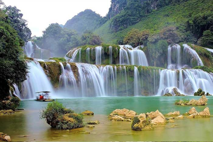 what to do and see in cao bang ban gioc falls